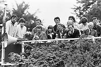 1982, Hilversum, Dutch Open, Melkhuisje, Op het persdak wordt de partij nauwlettend gevolgd door journalisten