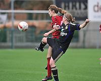 Dames Zulte - Waregem - RSC Anderlecht : duel tussen Tessa Wullaert en Laure DeLoose.foto DAVID CATRY / VROUWENTEAM.BE