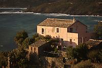 Europe/France/Corse/2B/Haute-Corse/Cap Corse/Nonza: Une maison du village perché au dessus de la côte du Cap-Corse