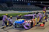 #18: Kyle Busch, Joe Gibbs Racing, M&M's Fudge Brownie Toyota Camry