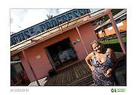 Cotidiano em vila Progresso.<br /> <br /> Criado o primeiro  protocolo comunitario na Amazônia estabelecendo relações comerciais com base nas leis ambientais de acordo a convencao da diversidade biologica, (A Convenção sobre Diversidade Biológica (CDB) é um tratado da Organização das Nações Unidas e um dos mais importantes instrumentos internacionais relacionados ao meio ambiente) . e o  protocolo de Nagoya ratificado em  2010.<br /> <br /> <br /> <br /> Articulado pelo  Grupo do Trabalho Amazônico – Rede GTA,   em parceria com a Regional GTA/Amapá,  Conselho Comunitário do Bailique, Colônia de Pescadores Z-5, IEF,  CGEN/DPG/SBF/MMA,   lideranças comunitárias se reuniram com representantes  do Ministério do Meio Ambiente, Ministério Público Federal, Embrapa e Conab para para debater os caminhos a seguir pondo em prática o o primeiro protocolo comunitário criado na Amazônia. O  chamado de III Encontrão,  aconteceu durante os dias 26, 27 e 28 de fevereiro na comunidade de São João Batista no arquipélago do Bailique  reunindo 78 lideranças  de 25 comunidades<br /> Amapá, Brasil.<br /> Foto Paulo Santos de <br /> 24/02 a 01/03 2015