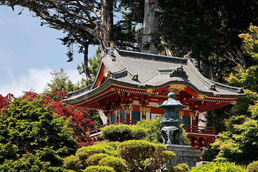 Temple Gate, Japanese Tea Garden, Golden Gate Park, San Francisco, California, USA, North America