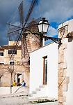 Spanien, Mallorca, Palma de Mallorca: alte Windmuehle in Palmas Altstadt in der Carrer Dels Molins De Migjorn | Spain, Mallorca, Palma de Mallorca: old windmill in old town lane Carrer Dels Molins De Migjorn