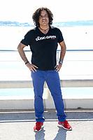 Stevie Salas lors de son photocall pour RUMBLE : THE INDIANS WHO ROCKED THE WORLD pendant le MIPTV a Cannes, le mardi 4 avril 2017.