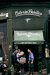 Osteria Basilica Notting Hill London. Friends rather and chat outside a local resturant 1999. 1990s.
