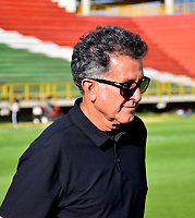 TUNJA-COLOMBIA, 25-10-2020: Juan Carlos Osorio, tecnico de Atletico Nacional, durante partido de la fecha 16 entre Patriotas Boyaca y Atletico Nacional, por la Liga BetPlay DIMAYOR 2020, jugado en el estadio La Independencia de la ciudad de Tunja. / Juan Carlos Osorio, coach of Atletico Nacional a match of the 16h date between Patriotas Boyaca and Atletico Nacional, for the BetPlay DIMAYOR League 2020 played at the La Independencia stadium in Tunja city. / Photo: VizzorImage / Edward Leguizamon / Cont.