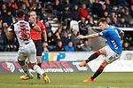 03.11.2018: St Mirren v Rangers: Anton Ferdinand gets in the way of Ryan Jack's effort