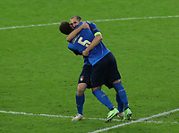London, England, 6th July 2021. Manuel Locatelli of Italy celebrates with Giorgio Chiellini of Italy during the UEFA EURO, EM, Europameisterschaft,Fussball 2020 match at Wembley Stadium, London. Picture credit should read: David Klein / Sportimage PUBLICATIONxNOTxINxUK SPI-1093-0106<br /> Photo Imago/Insidefoto ITA ONLY