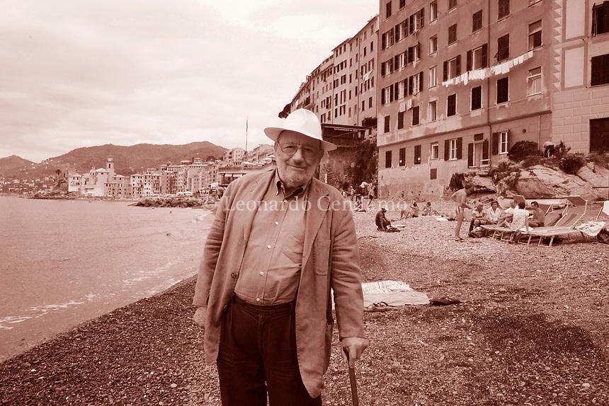 Umberto Eco è un semiologo, filosofo, linquista, scrittore italiano di fama internazionale. Libri, cultura italiana. Nel 1988 ha fondato il Dipartimento della Comunicazione dell'Università di San Marino. Camogli, 22 settembre 2015. Photo by Leonardo Cendamo/Gettyimages