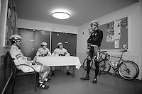 3 Days of De Panne.stage 3a: De Panne - De Panne ..Gert Steegmans (BEL) solliciting for an Argos-Shimano ride? Chairman Marcel Kittel (DEU) presiding...
