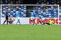 Hirving Lozano of SSC Napoli celebrates after scoring the goal of 1-0 during the Serie A football match between SSC Napoli and Genoa CFC at San Paolo stadium in Napoli (Italy), September 27th, 2020. Photo Cesare Purini / Insidefoto