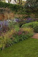 Best Show Garden designed by Tom Stuart-Smith, Daily Telegraph Garden, 2006 Chelsea Flower Show