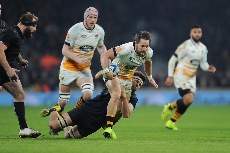 Michele Campagnaro of Wasps tackled by Jack Clifford of Harlequins during Big Game 11, the Gallagher Premiership Rugby match between Harlequins and Wasps, at Twickenham Stadium on Saturday 29th December 2018 (Photo by Rob Munro/Stewart Communications)