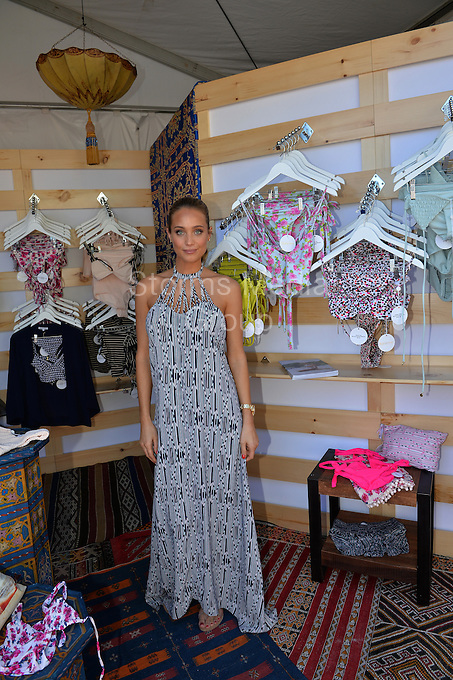 KEY BISCAYNE, FL - APRIL 03: Sports Illustrated cover model Hannah Davis during day 12 of the Miami Open at Crandon Park Tennis Center on April 3, 2015 in Key Biscayne, Florida.<br /> <br /> <br /> People:  Hannah Davis<br /> <br /> Transmission Ref:  FLXX<br /> <br /> Must call if interested<br /> Michael Storms<br /> Storms Media Group Inc.<br /> 305-632-3400 - Cell<br /> 305-513-5783 - Fax<br /> MikeStorm@aol.com