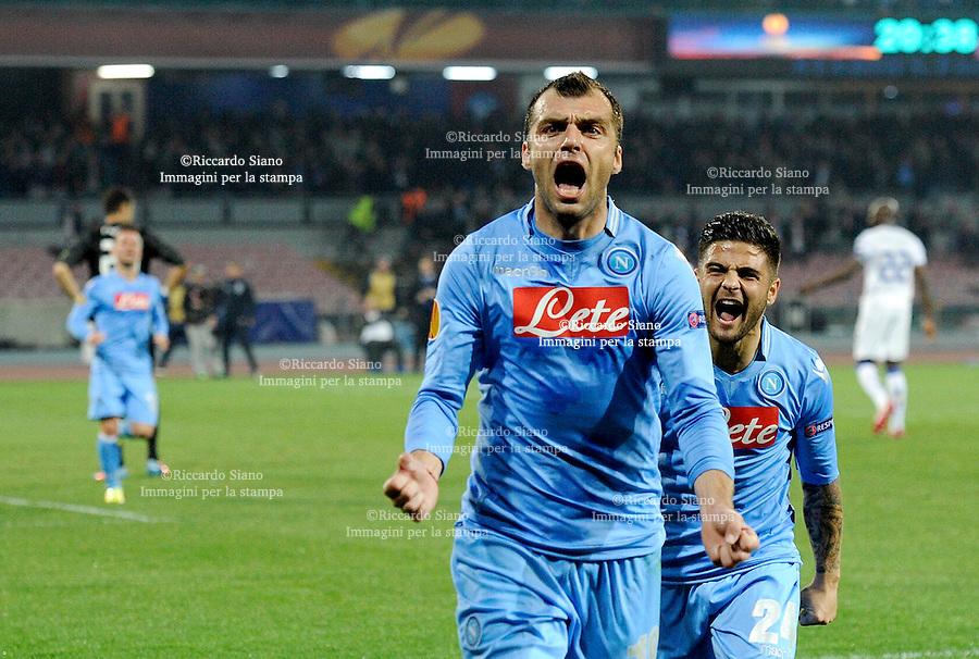- NAPOLI 20 MAR - Calcio Europa League Stadio San Paolo.    Napoli - Porto ritorno   ottavi di filale di Europa League. Nella foto il gol di Pandev