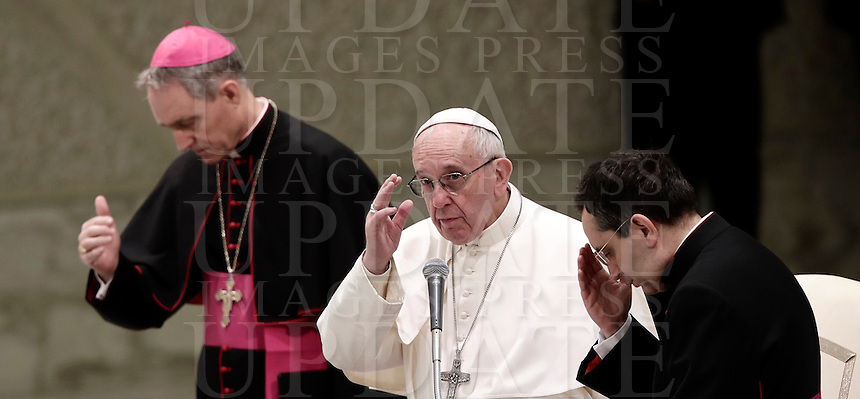 Papa Francesco tiene l'Udienza Generale del mercoledi' in aula Paolo VI in Vaticano, 18 gennaio 2017.<br /> Pope Francis leads his weekly general audience in Paul VI Hall at the Vatican, on January 18, 2017.<br /> UPDATE IMAGES PRESS/Isabella Bonotto<br /> <br /> STRICTLY ONLY FOR EDITORIAL USE