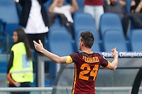 Calcio, Serie A: Lazio vs Roma. Roma, stadio Olimpico, 3 aprile 2016.<br /> Roma's Alessandro Florenzi celebrates after scoring during the Italian Serie A football match between Lazio and Roma at Rome's Olympic stadium, 3 April 2016.<br /> UPDATE IMAGES PRESS/Riccardo De Luca