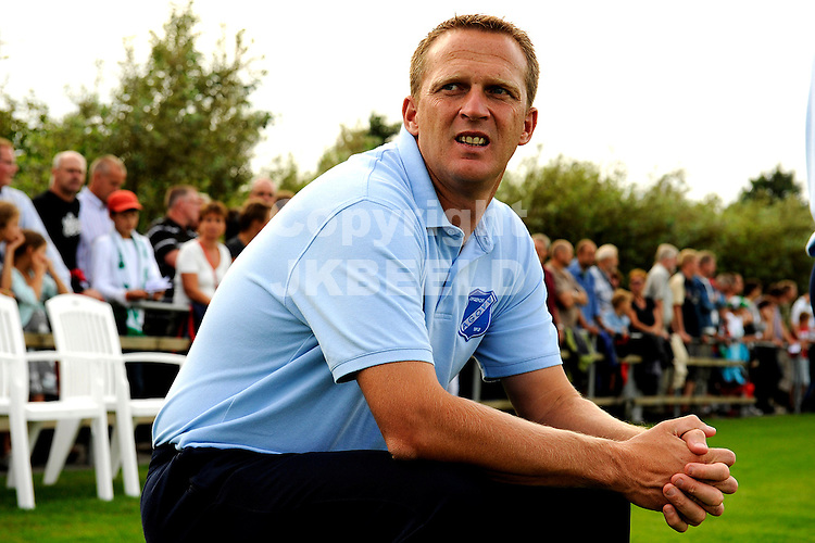 voetbal fc groningen - agovv voorbereiding seizoen 2008-2009  john van der brom..fotograaf Jan Kanning