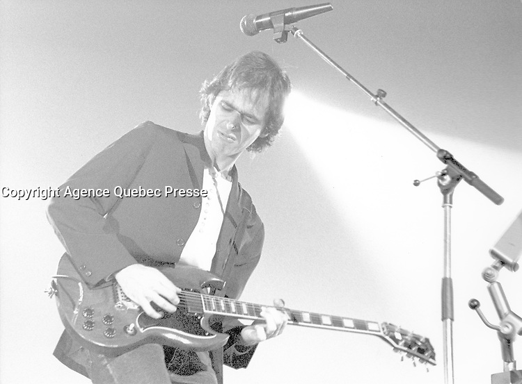 Jean-Jacques Goldman performs live. Zenith paris. 1988.<br /> Photo : Rancurel Phototheque/DALLE