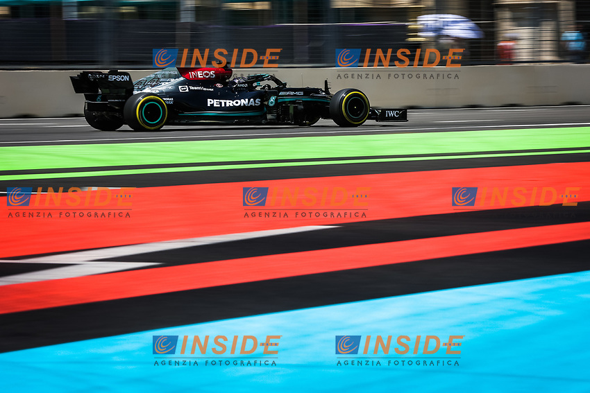 44 HAMILTON Lewis (gbr), Mercedes AMG F1 GP W12 E Performance, action during the Formula 1 Azerbaijan Grand Prix 2021 from June 04 to 06, 2021 on the Baku City Circuit, in Baku, Azerbaijan -<br /> FORMULA 1 : Grand Prix Azerbaijan <br /> 05/06/2021 <br /> Photo DPPI/Panoramic/Insidefoto <br /> ITALY ONLY