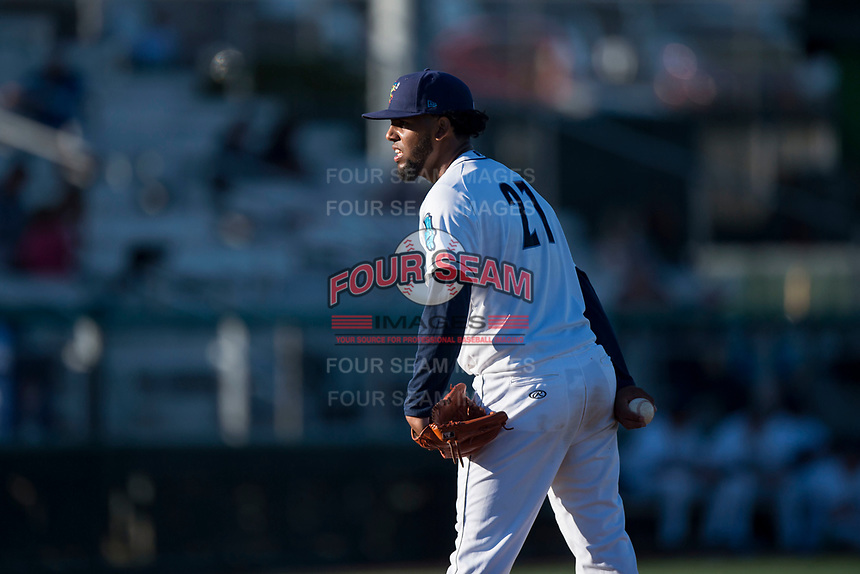 Everett AquaSox starting pitcher Elias Espino (21) looks in for the sign during a Northwest League game against the Tri-City Dust Devils at Everett Memorial Stadium on September 3, 2018 in Everett, Washington. The Everett AquaSox defeated the Tri-City Dust Devils by a score of 8-3. (Zachary Lucy/Four Seam Images)