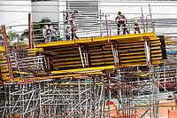 MEDELLIN - COLOMBIA, 06-05-2020: Reactivación en la construcción en Medellín durante el día 43 de la cuarentena total obligatoria en el territorio colombiano causada por la pandemia  del Coronavirus, COVID-19. / Revival of the construction sector in Medellin of during day 40 of total quarantine in Colombian territory caused by the Coronavirus pandemic, COVID-19. Photo: VizzorImage / Leon Monsalve / Cont