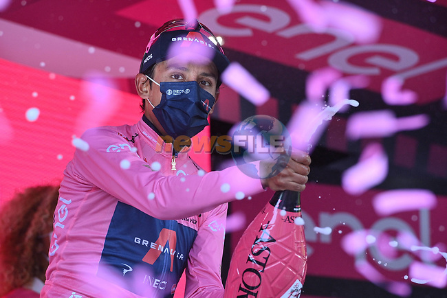 Race leader Egan Bernal (COL) Ineos Grenadiers retains the Maglia Rosa at the end of Stage 17 of the 2021 Giro d'Italia, running 193km from Canazei to Sega Di Ala, Italy. 26th May 2021.  <br /> Picture: LaPresse/Marco Alpozzi | Cyclefile<br /> <br /> All photos usage must carry mandatory copyright credit (© Cyclefile | Marco Alpozzi/LaPresse)