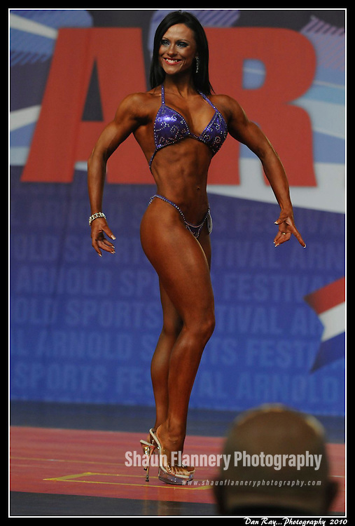 Pix: Shaun Flannery/shaunflanneryphotography.com..COLLECT PICTURE>>SHAUN FLANNERY>01302-570814>>07778315553>>..7th June 2010............Champion fitness body builder and dancer Kizzy Vaines of Barnsley.