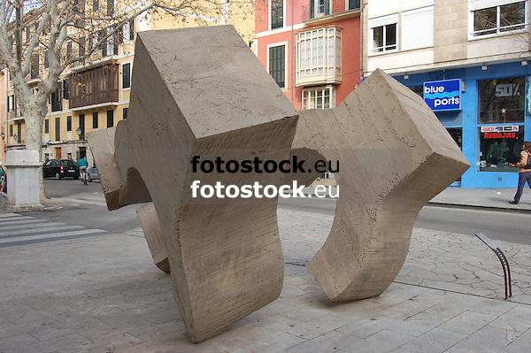 "Sculpture ""Lugar de Encuentro V"" (1975, concrete) by the famous basque artist Eduardo Chillida (1924-2002 San Sebastian)<br /> <br /> Escultura ""Lugar de encuentro V"" (1975, hormigón) por el famoso artista vasco Eduardo Chillida (1924-2002 San Sebastián - vas. Donostia)<br /> <br /> Skulptur ""Lugar de Encuentro V"" (1975, Beton) von dem berühmten baskischen Künstler Eduardo Chillida (1924-2002 San Sebastián)<br /> <br /> 3008 x 2000 px<br /> 150 dpi: 50,94 x 33,87 cm<br /> 300 dpi: 25,47 x 16,93 cm"