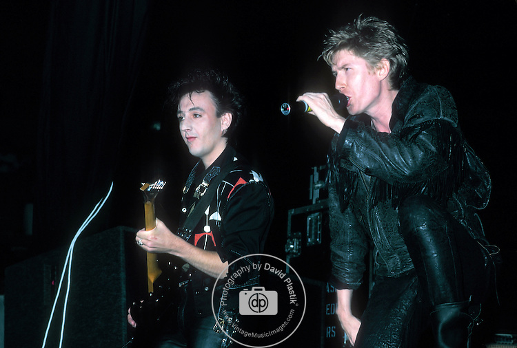 Psychedelic Furs Richard Butler performing live in 1986.