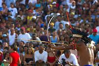 Índios da Etnia Wai Wai durante campeonato de arco e flexa no l jogos indígenas do Pará que conta com a participação de 14 etnias do estado e mais uma do Tocantins com a participação de 500 atletas.<br /> Tucuruí Pará Brasil.<br /> 17/06/2004<br /> Foto Paulo santos/Interfoto<br /> <br /> Jogos Indígenas.<br /> Tucuruí , Pará, Brasil.<br /> Foto Paulo Santos<br /> 2004