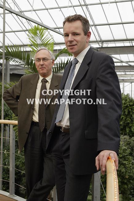Bemmel, 121203<br />Henk van oosten (links) Hans Koehorst (rechts).<br />Foto: Sjef Prins - APA Foto
