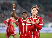 17.02.2018, Football 1. Bundesliga 2017/2018, 23.  match day, VfL Wolfsburg - FC Bayern Muenchen, in Volkswagen Arena Wolfsburg. celebration  David Alaba (Bayern Muenchen) and scorer Robert Lewandowski (Bayern Muenchen)   1:2 per Foulpenalty *** Local Caption *** © pixathlon<br /> <br /> Contact: +49-40-22 63 02 60 , info@pixathlon.de