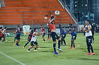 ENVIGADO - COLOMBIA, 09-12-2020: Envigado F.C. y Deportivo Pereira en partido por la fecha 3 de la Liguilla  BetPlay DIMAYOR 2020 jugado en el estadio Polideportivo Sur de Envigado. / Envigado F.C. and Deportivo Pereira in match for the date 3 of the BetPlay DIMAYOR 2020 Liguilla played at Polideportivo Sur stadium of Envigado city.  Photo: VizzorImage / Luis Benavides / Cont