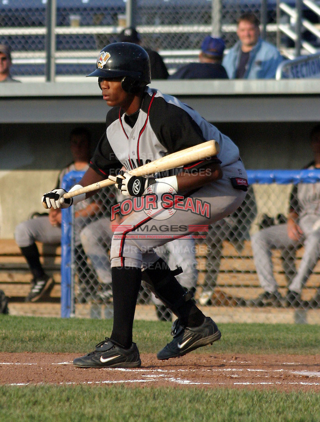 June 27, 2003:  Shortstop Javiar Guzman of the Williamsport Crosscutters, Short Season Class-A affiliate of the Pittsburgh Pirates, during a NY-Penn League game at Dwyer Stadium in Batavia, NY.  Photo by:  Mike Janes/Four Seam Images