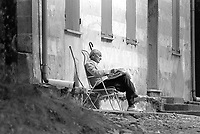 - Alessandro Natta, segretario del PCI (Partito Comunista Italiano) dal1984 all'Aprile1988, in vacanza a Melogno (Savona) nell'Agosto 1988 dopo le dimissioni dovute a cause di salute.<br /> <br /> - Alessandro Natta, secretary of the PCI ( Italian Communist Party) from 1984 to April 1988, on holiday in Melogno (Savona) in August 1988 after resigning due to health reasons.