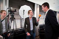 10-01-13,Tennis,  Schipluiden, Restaurant Zwetheul, Persconferentie 40e ABNAMROWTT, Toernooi Directeur Richard Krajicek in gesprek met Coen Vemer.