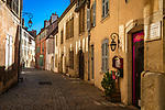 Frankreich, Bourgogne-Franche-Comté, Département Jura, Dole: Altstadtgasse | France, Bourgogne-Franche-Comté, Département Jura, Dole: old town lane