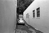 Alley, 1987.   &#xA;<br />