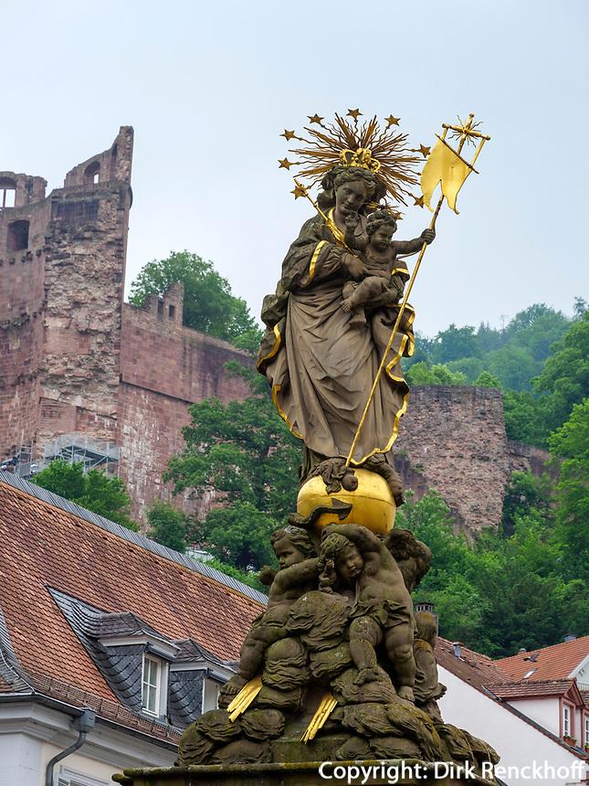 Marienstatue und Schloss, Heidelberg, Baden-Württemberg, Deutschland, Europa<br /> statue of the Virgin Mary and castle, Heidelberg, Baden-Wuerttemberg, Germany, Europe