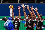 21.11.2020, Zeppelin CAT Halle A1, Friedrichshafen, GER, DVL, VfB Friedrichshafen vs Berlin Recycling Volleys,<br /> im Bild Schmetterschlag von Martti Juhkami (Friedrichshafen, #6), 3er-Block von Pierre Pujol (Berlin, #18), Renan Michelucci (Berlin, #5) und Cody Kessel (Berlin, #11)<br /> <br /> Foto © nordphoto / Hafner