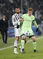 Calcio, Champions League: Gruppo D - Juventus vs Manchester City. Torino, Juventus Stadium, 25 novembre 2015. <br /> Manchester City's Kevin De Bruyne, right, is challenged by Juventus' Andrea Barzagli during the Group D Champions League football match between Juventus and Manchester City at Turin's Juventus Stadium, 25 November 2015. <br /> UPDATE IMAGES PRESS/Isabella Bonotto