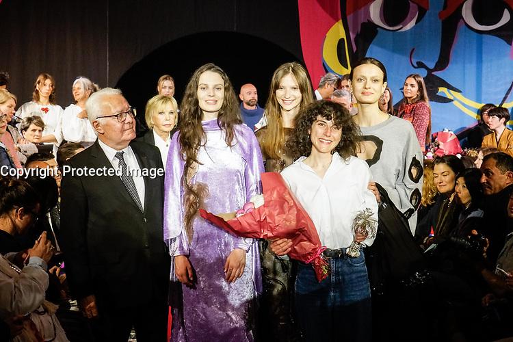 PRIX PUBLIC VILLE HYERES : VANESSA SCHINDLER - REMISE DE PRIX AU 32E FESTIVAL INTERNATIONAL DE MODE ET DE PHOTOGRAPHIE 2017 A HYERES
