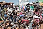 CAR, Bangui: Market in the muslim neighborhood of the PK5. 16 April 2016<br /> RCA, Bangui: Marché dans le quartier musulman du PK 5. 16 avril 2016