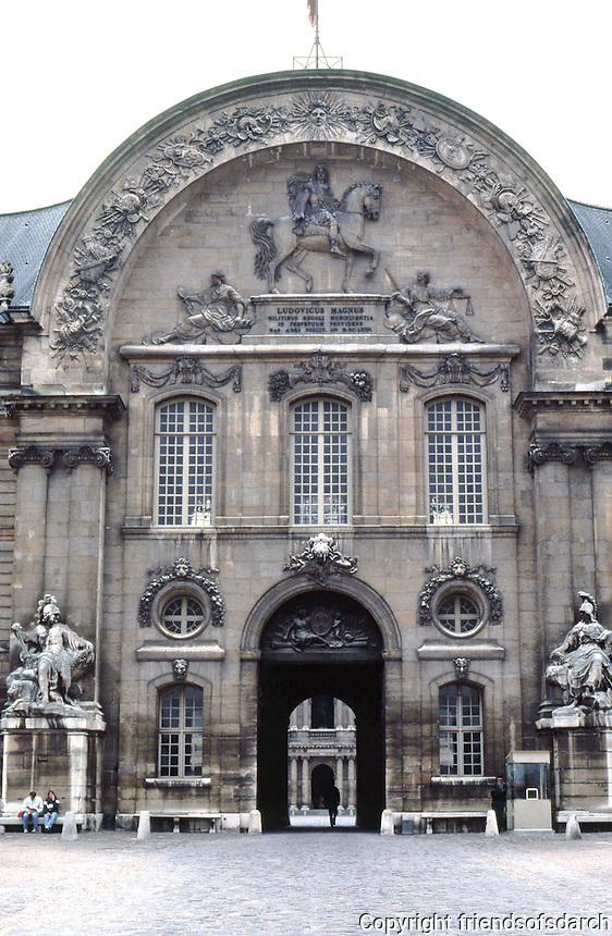 Paris: Hotel des Invalides--entrance. Photo '90.