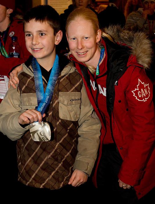 Viviane Forest, Vancouver 2010.<br /> Highlights from the medallists celebration // Faits saillants de la célébration des médaillés. 14/03/2010.