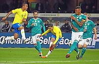 Jerome Boateng (Deutschland Germany) blockt den Schuss von Philippe Coutinho (Brasilien Brasilia) ab - 27.03.2018: Deutschland vs. Brasilien, Olympiastadion Berlin