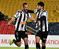 BOGOTÁ-COLOMBIA, 27-08-2019: Rever de Atlético Mineiro (BRA), celebra el gol de su equipo a La Equidad (COL), durante partido de vuelta de los cuartos de final entre La Equidad (COL) y Club Atlético Mineiro (BRA), por la Copa Conmebol Sudamericana 2019 en el estadio Nemesio Camacho El Campin, de la ciudad de Bogotá. / Rever of Atletico Mineiro (BRA), celebrates the goal of his team to La Equidad (COL), during a match between La Equidad (COL) and Club Atletico Mineiro (BRA), of the second leg of the quarter finals for the Conmebol Sudamericana Cup 2019 in the Nemesio Camacho El Campin stadium in Bogota city. Photo: VizzorImage / Luis Ramírez / Staff.