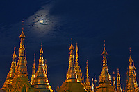 Life at the Shedagon Pagoda during the month of the full Moon, Yangon Myanmar
