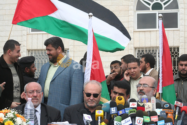 British lawmaker George Galloway gestures talks during a press conference in Gaza City, 10 March 2009. British MP George Galloway arrived in Gaza at the head of an aid convoy to protest what he called Israel's 'genocidal aggression' against the Hamas enclave and support the Palestinian 'resistance' APAIMAGES PHOTO / Ashraf Amra